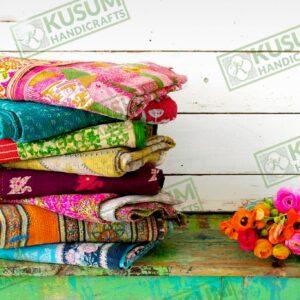 wholesale vintage sari quilts-vintage kantha quilt-kusumhandicrafts vintagekanthaquilt-khushvin